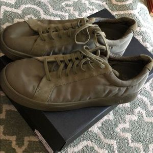 Ugg sneakers super comfortable fabric